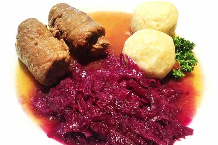 Beef-rolls-in-gravy