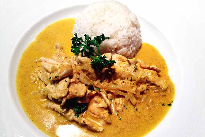 Chicken-with-curry-sauce