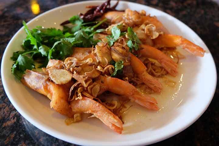 Fried-shrimps-with-tamarind-sauce
