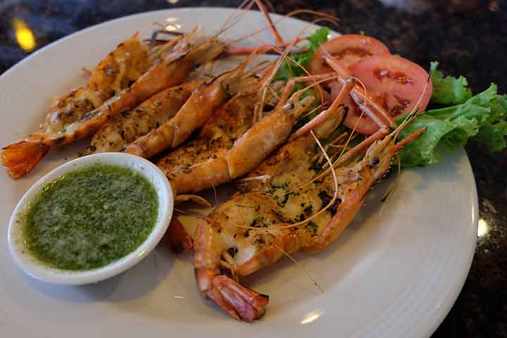 Grilled-shrimps-with-spicy-sauce