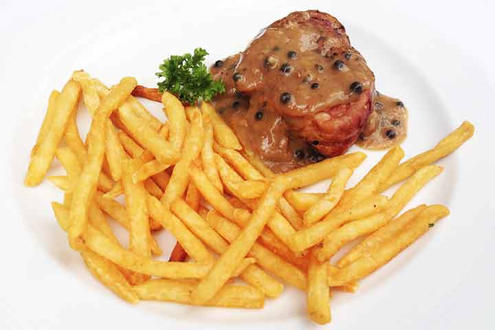 Pork-steak-with-green-pepper-sauce